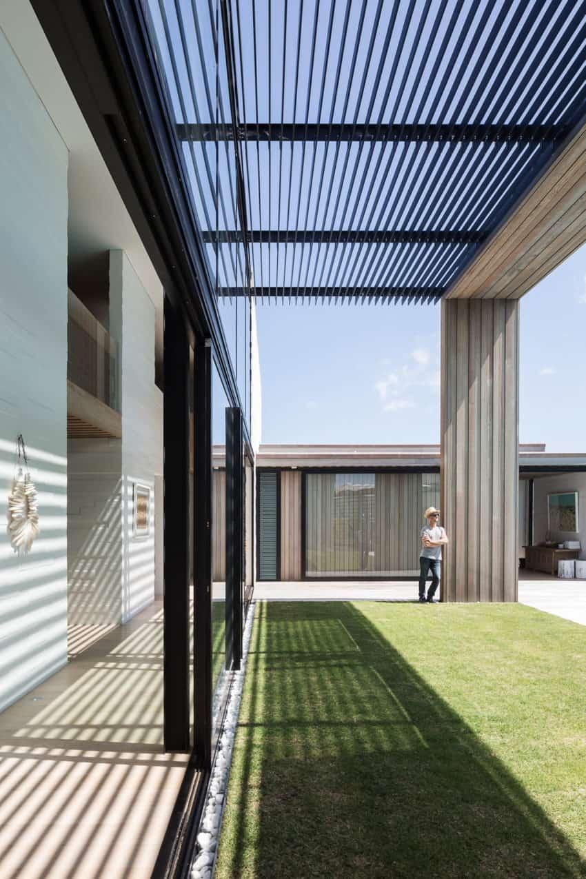 Tuatua House by Julian Guthrie (8)