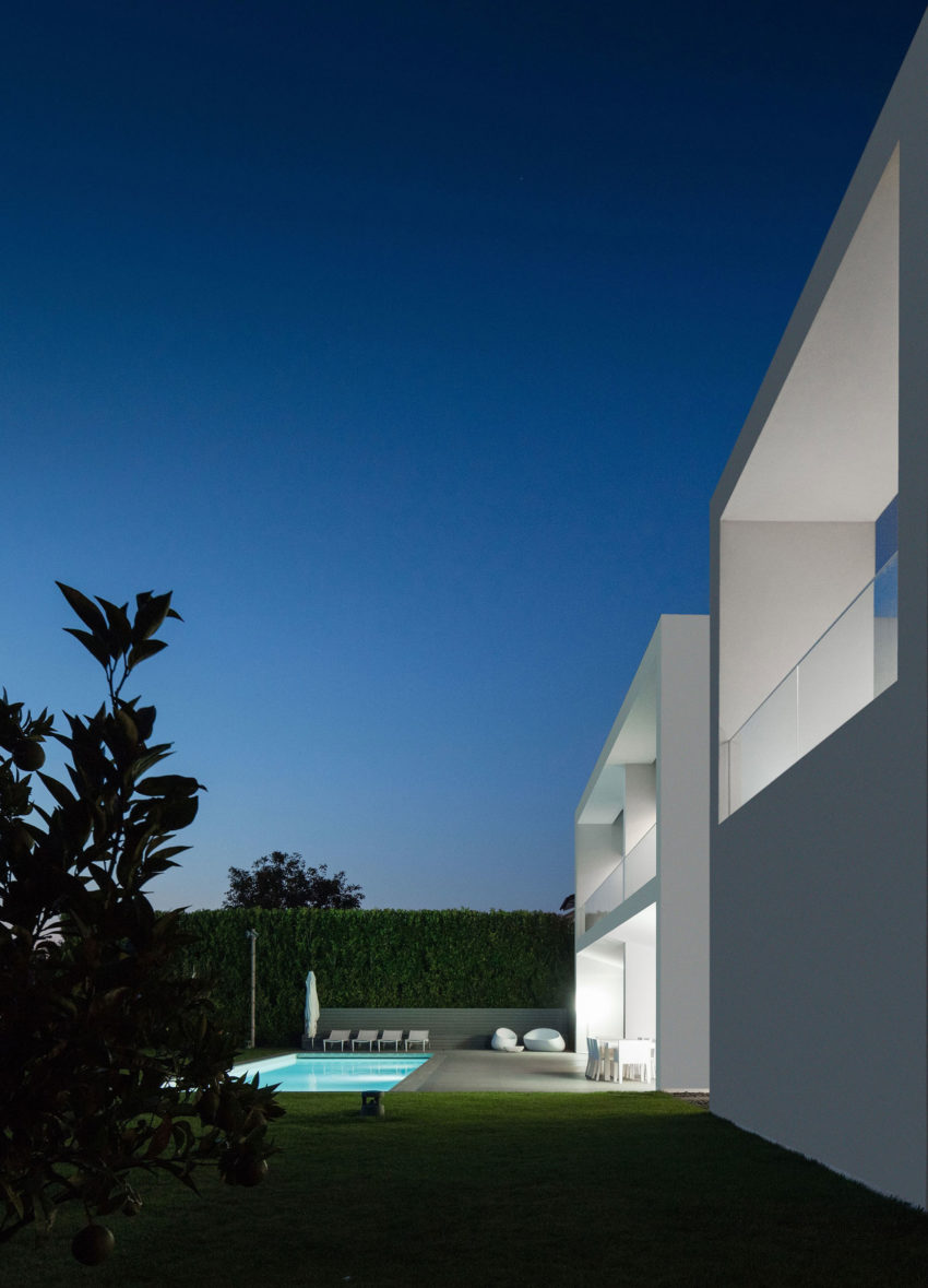 Vila do Conde House by Raulino Silva Arquitecto (25)
