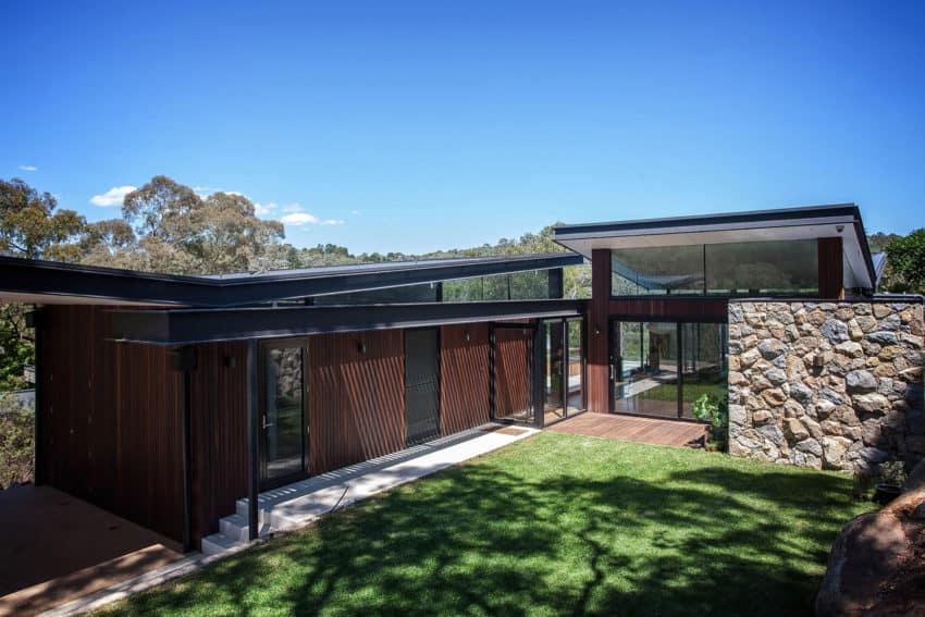 Warrandyte House by Alexandra Buchanan Architecture (1)