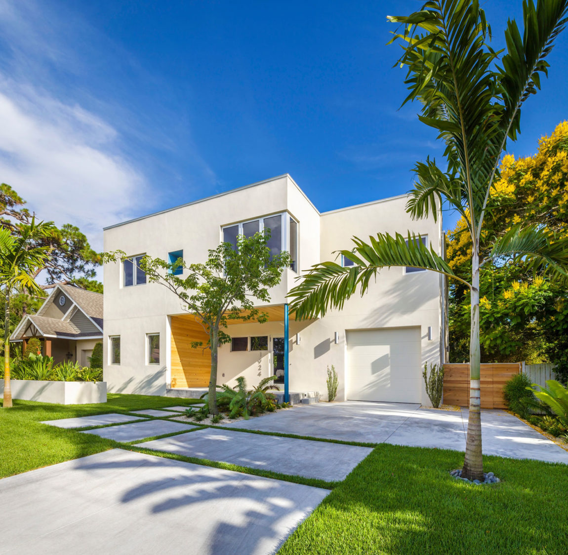 Bougainvillea House by Traction Architecture (1)