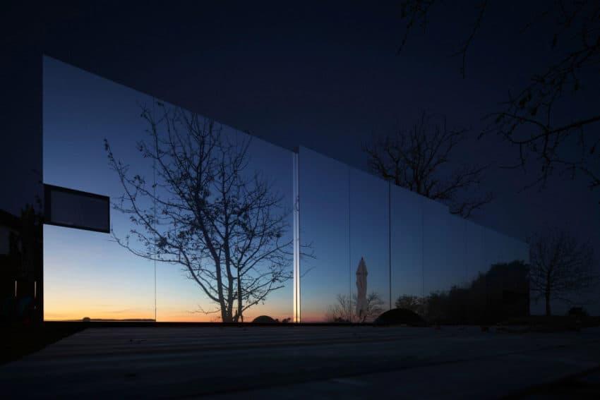 Casa Invisibile by Delugan Meissl Associated Architects (19)