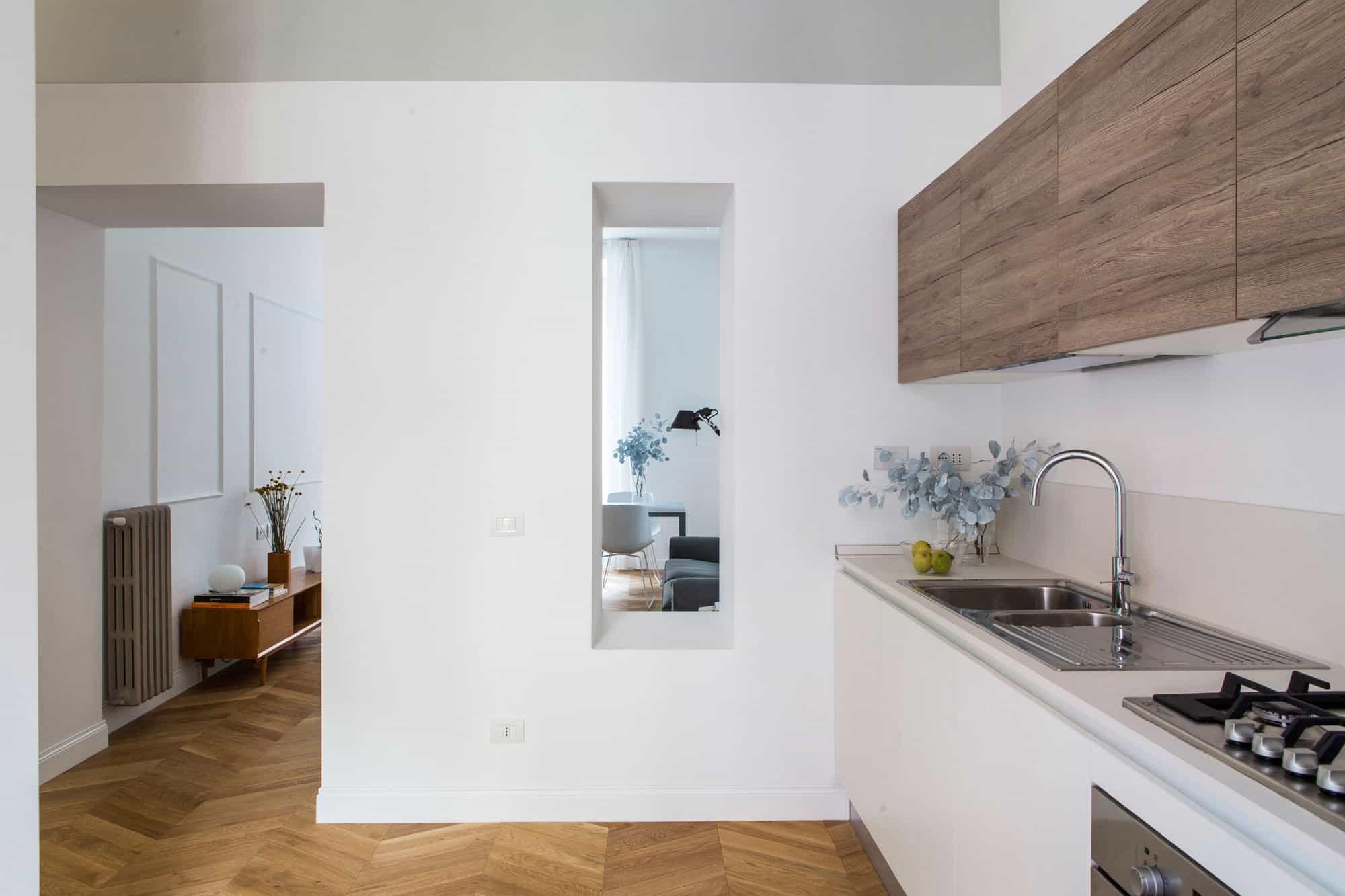 A Clean, Elegant Home Done in White in Rome