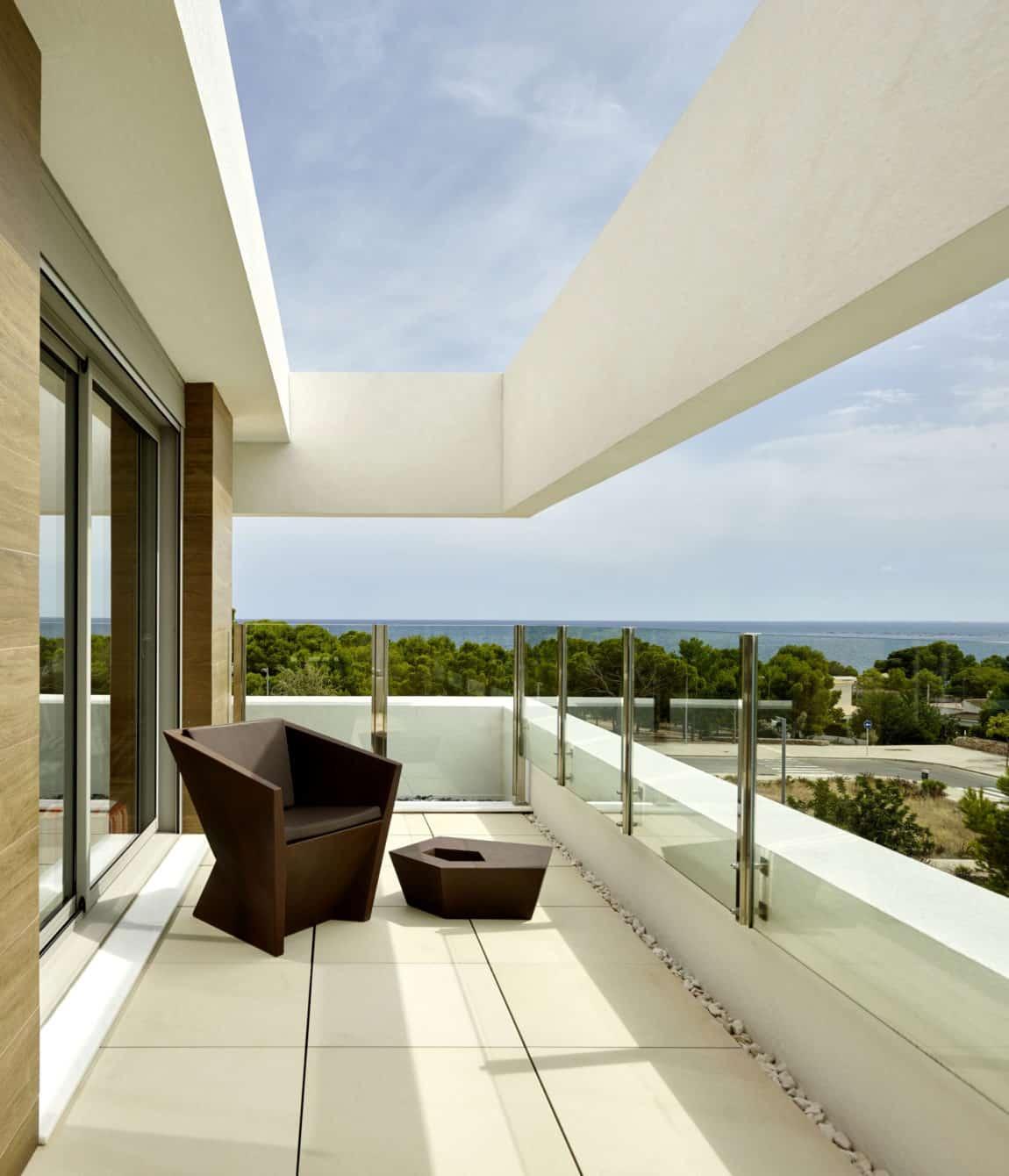 Villa Close to the Sea by White Houses Costa Dorada (10)