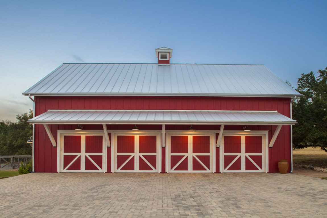 Elegant Farmhouse by Vanguard Studio Inc (1)