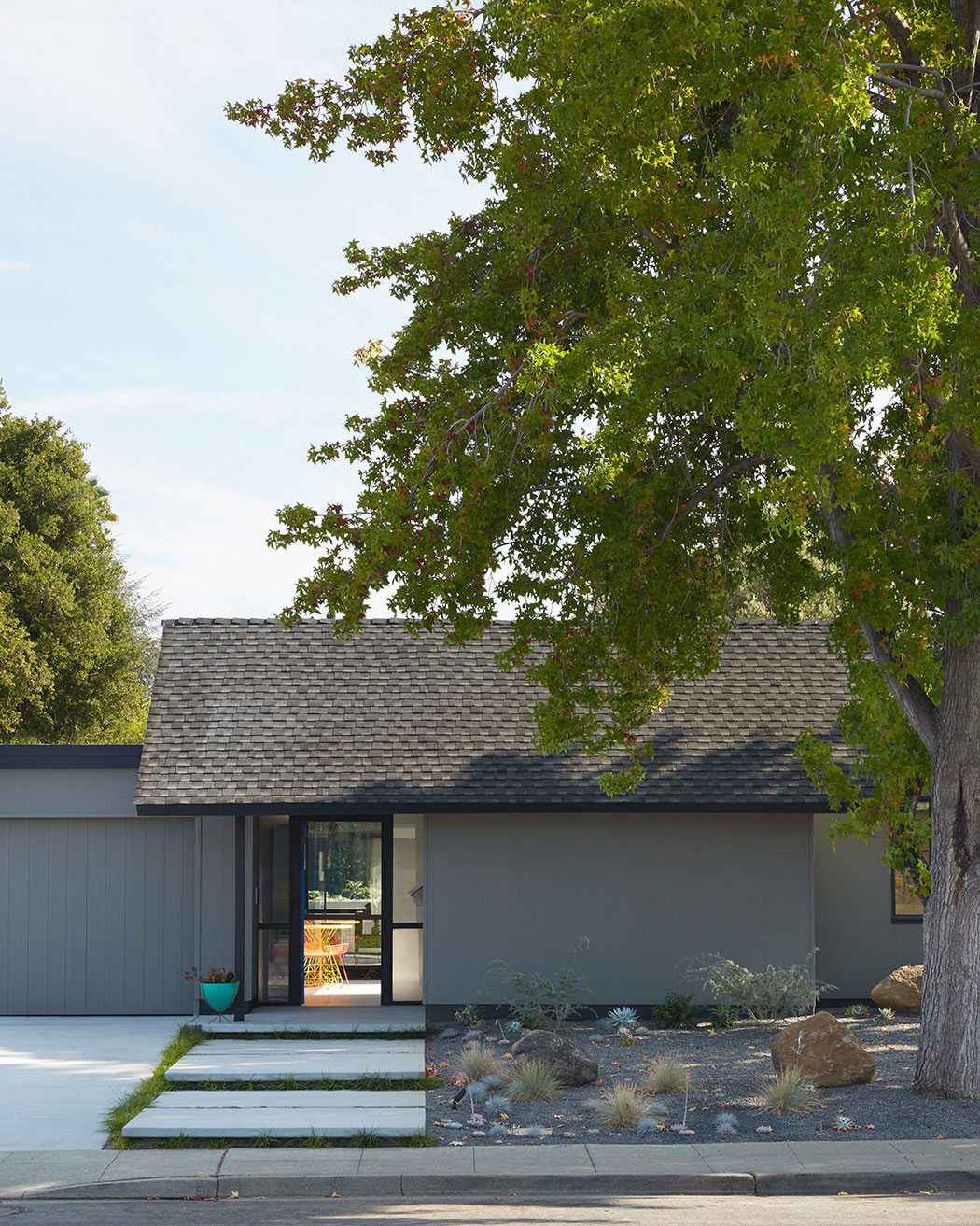 Renewed Classic Eichler by Klopf Architecture (3)