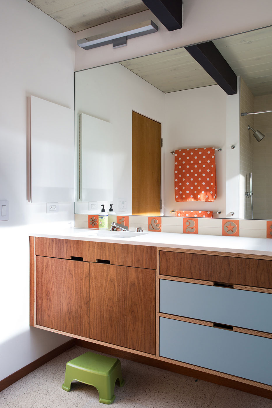 Renewed Classic Eichler by Klopf Architecture (19)
