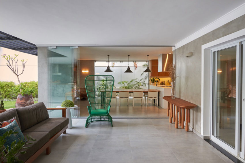 Residence in the Interior by Piloni Architecture (6)