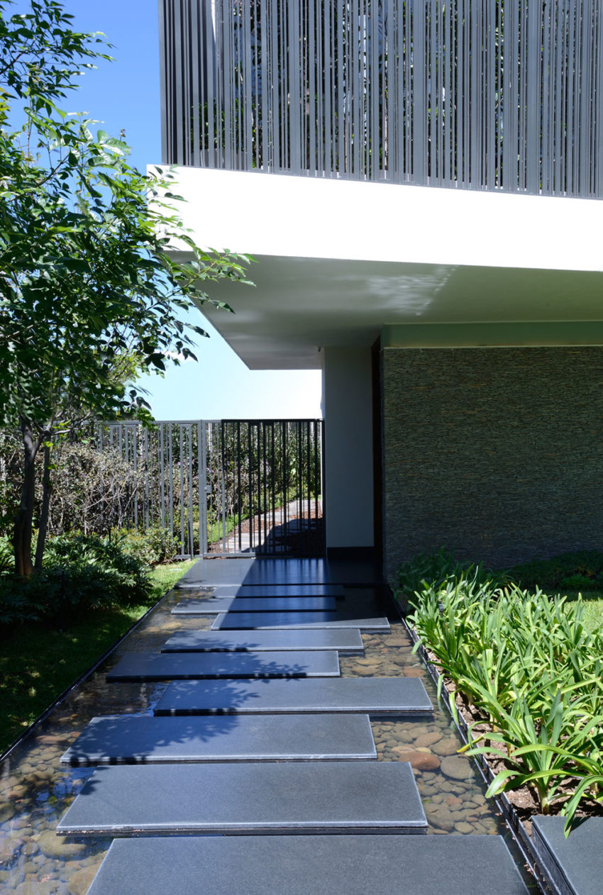 Atrium House by RAMA Construccion y Arquitectura (2)