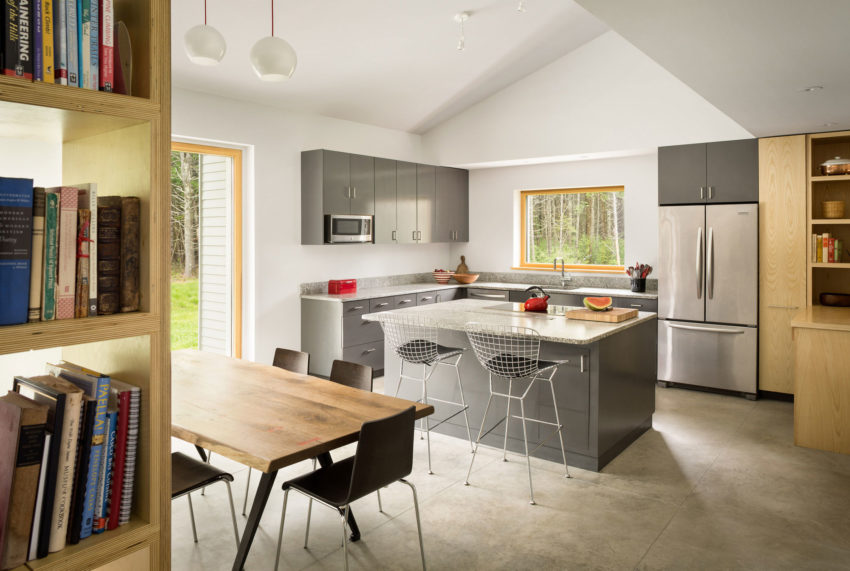 go logic designs a contemporary home in idyllic southern maine