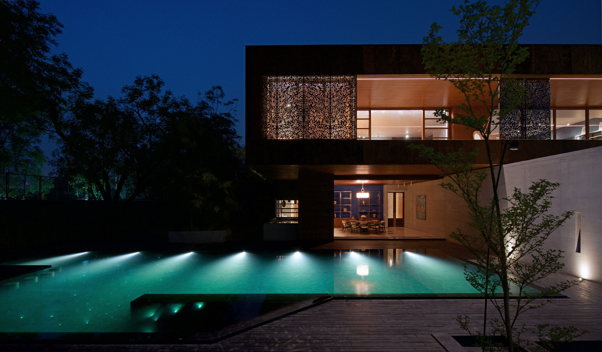 SPASM Design Architects Design a Contemporary Home in Ahmedabad, India