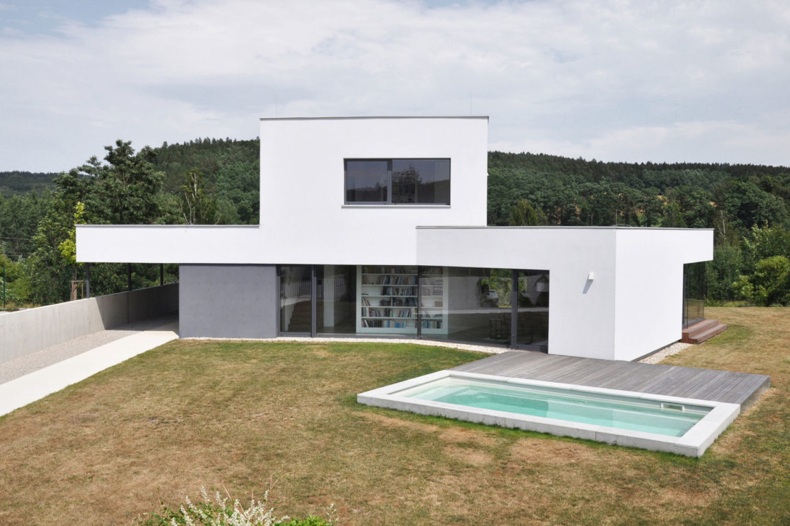 Family House at the End of the Town by ATELIER 111 (5)
