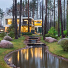 Home in the Banks of Lake by Architectural Bureau A2 (44)