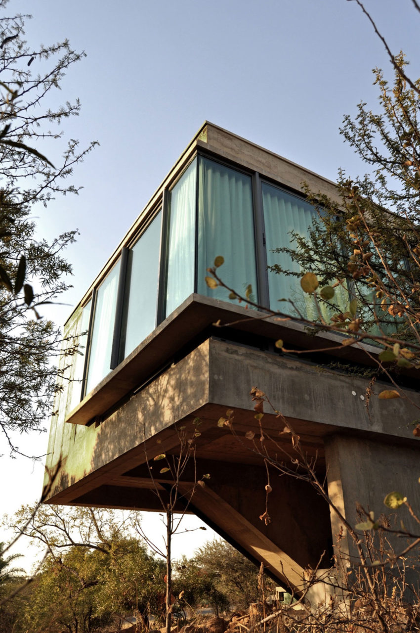 House Gauché by Earthworld Architects & Interiors (3)