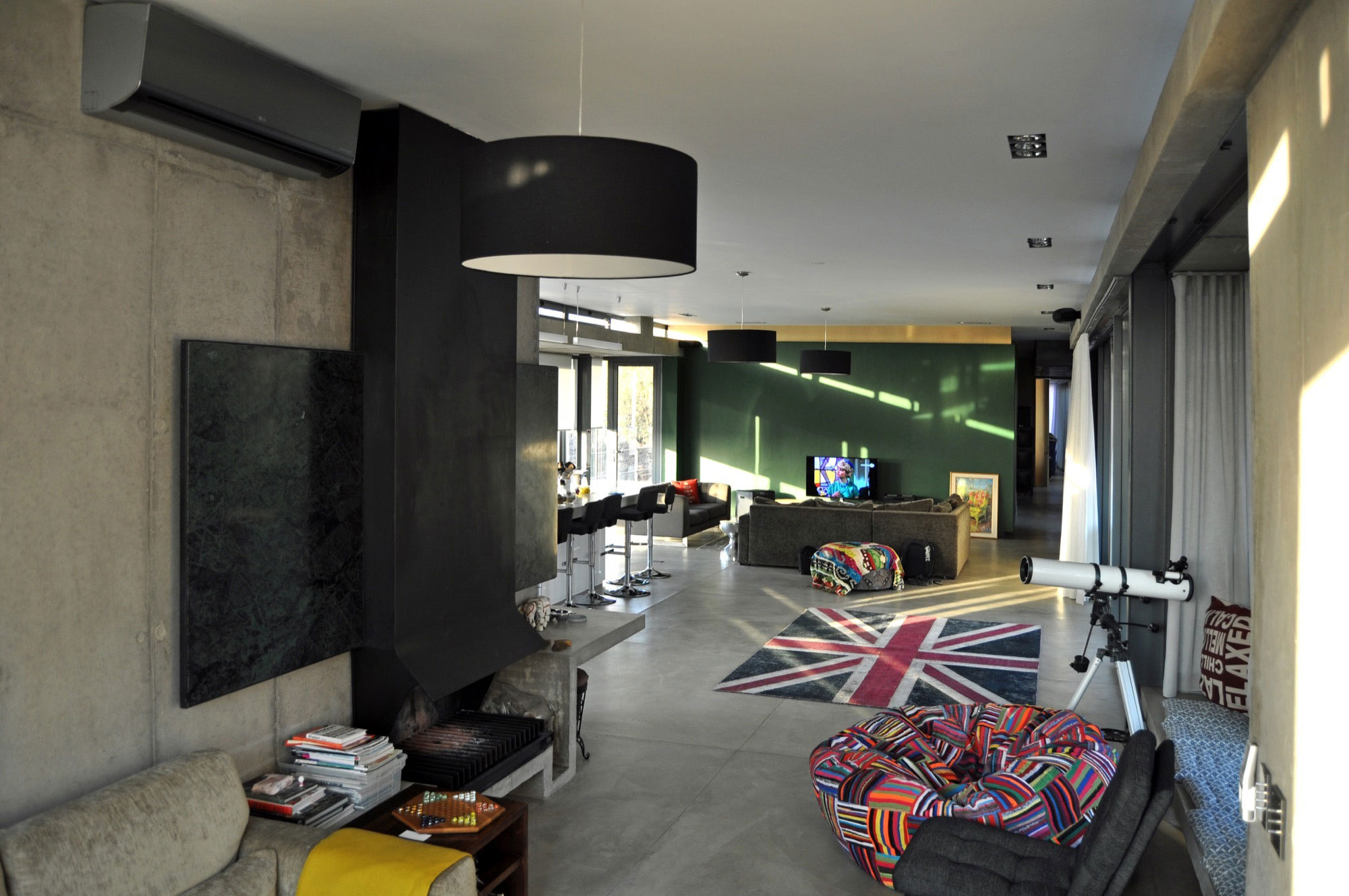 Earthworld Architects & Interiors Design A Stylish Home in a ...