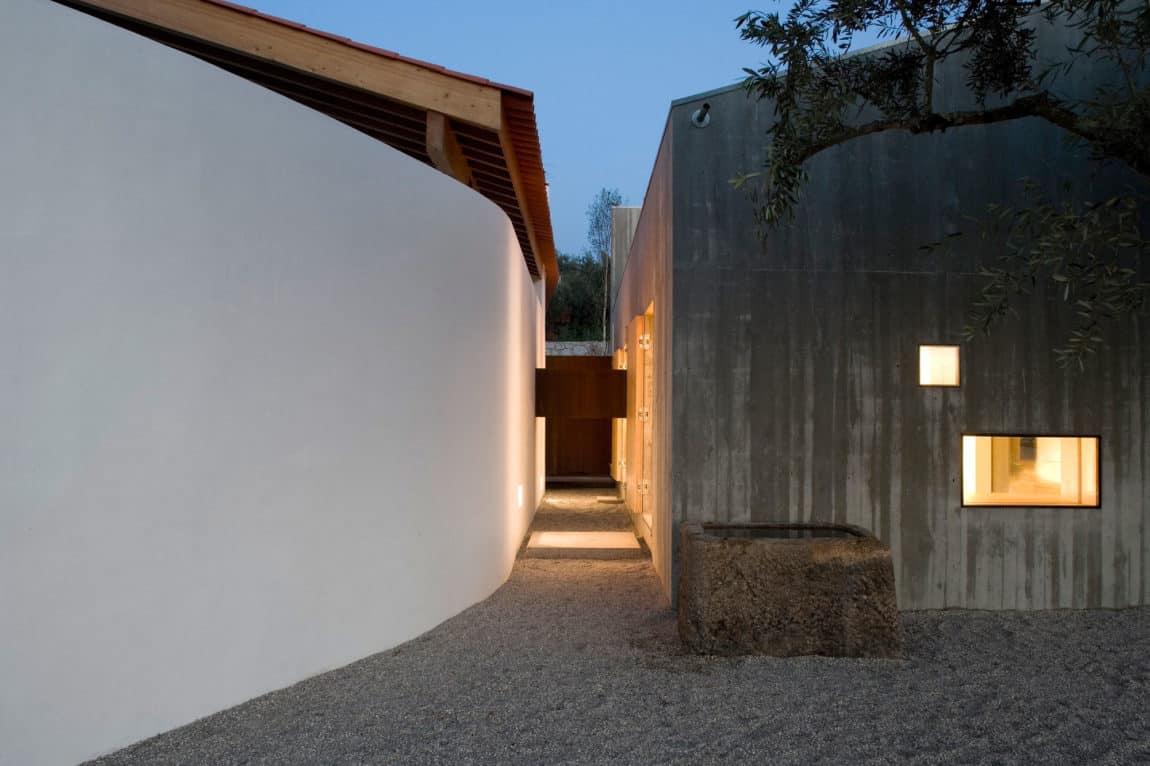 House in Chamusca Da Beira by João Mendes Ribeiro (29)