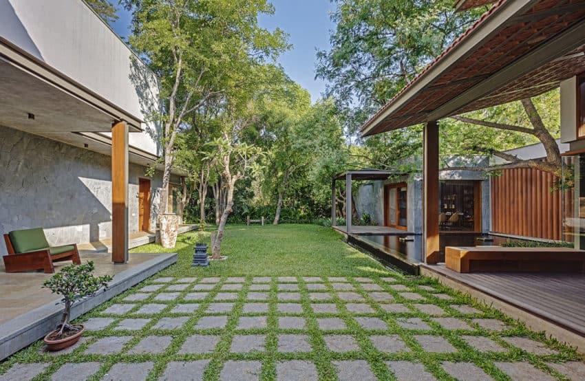 Krishnan House by Khosla Associates (6)