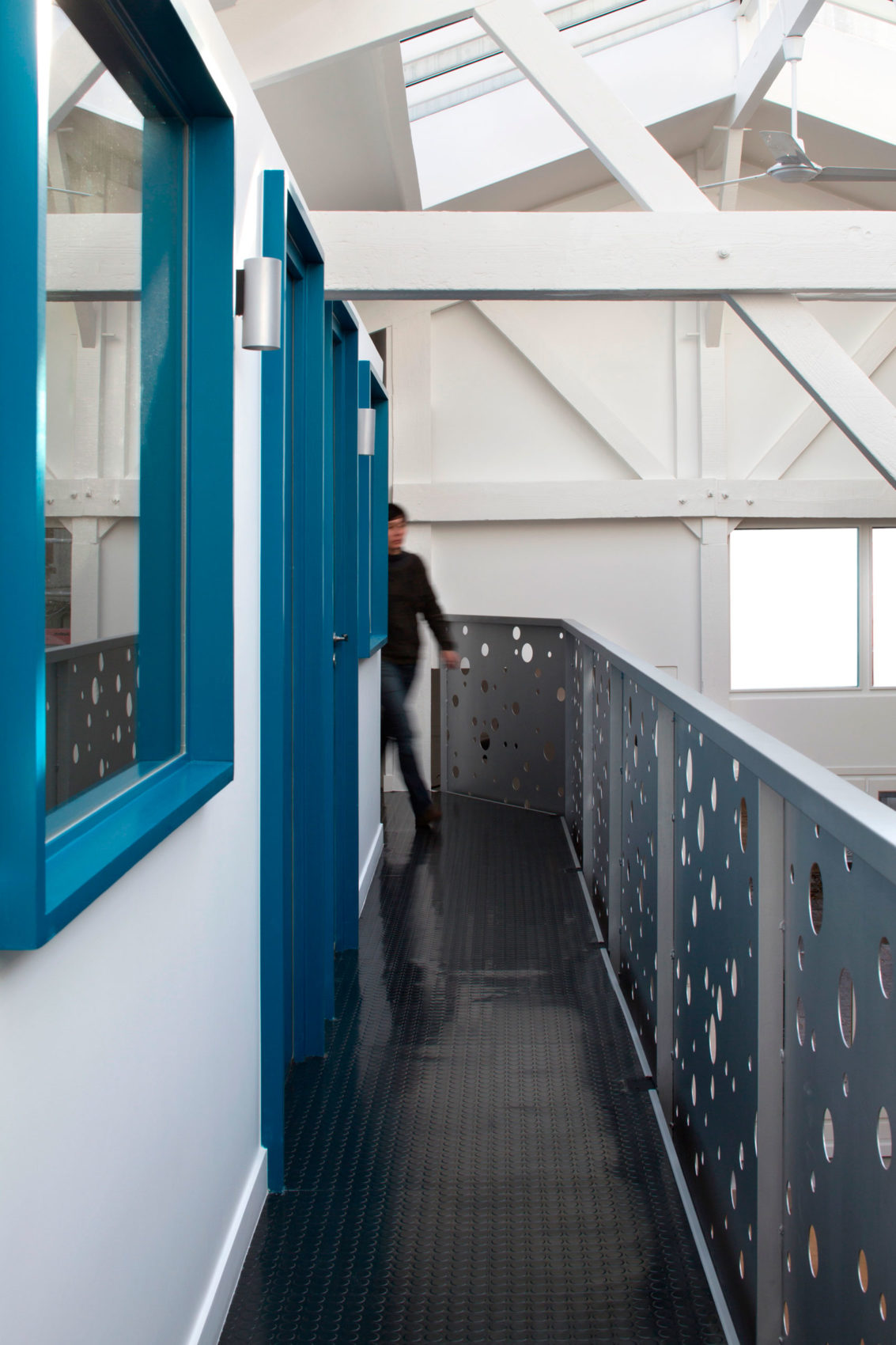 Loft in an Old Carpentry by Agnès et Agnès (10)