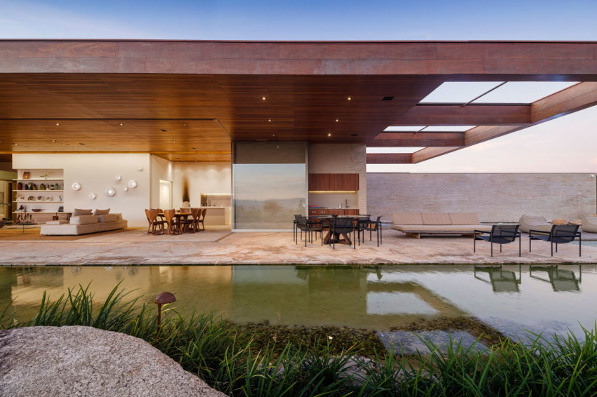MS House by Studio Arthur Casas (1)