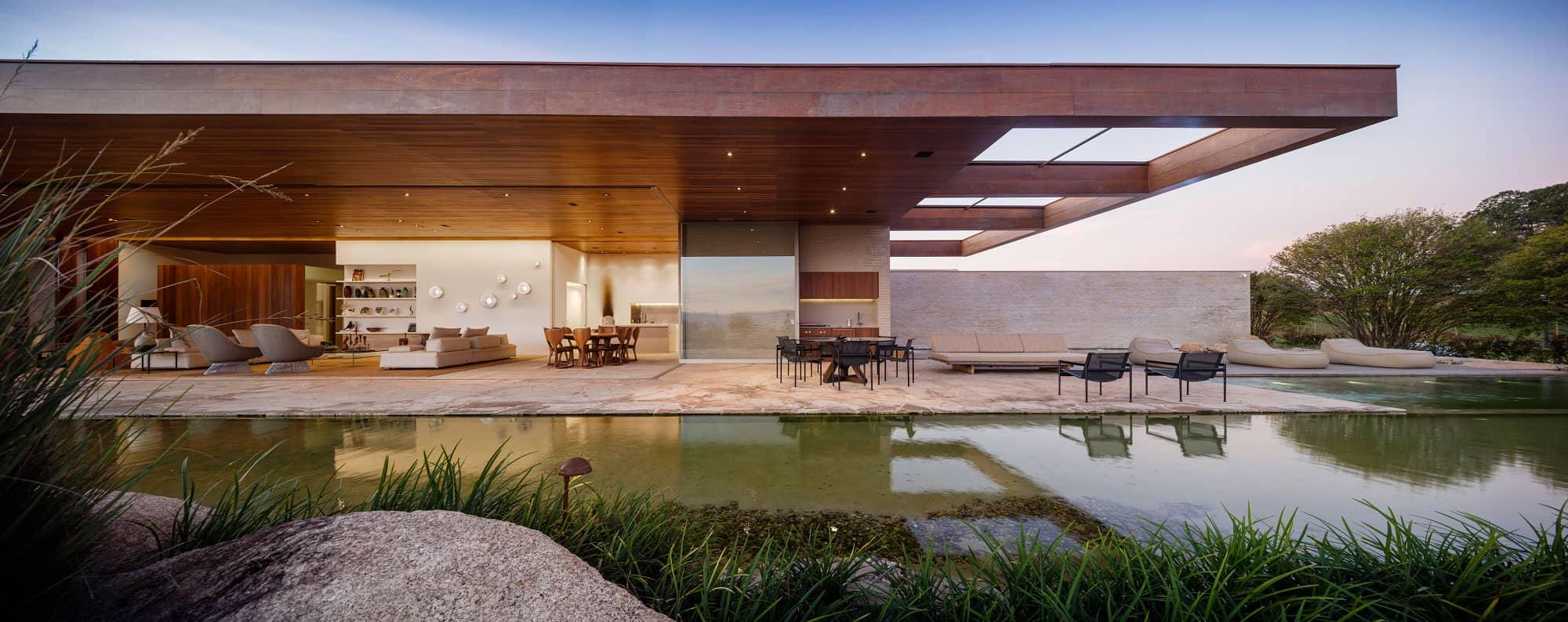 Studio arthur casas designs a contemporary house in s o for Architecture originale