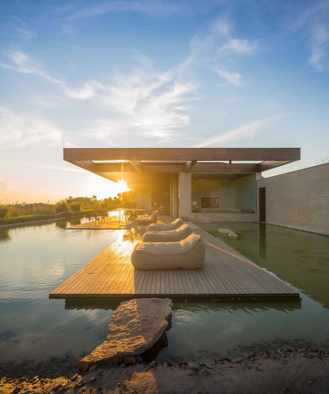 MS House by Studio Arthur Casas (4)