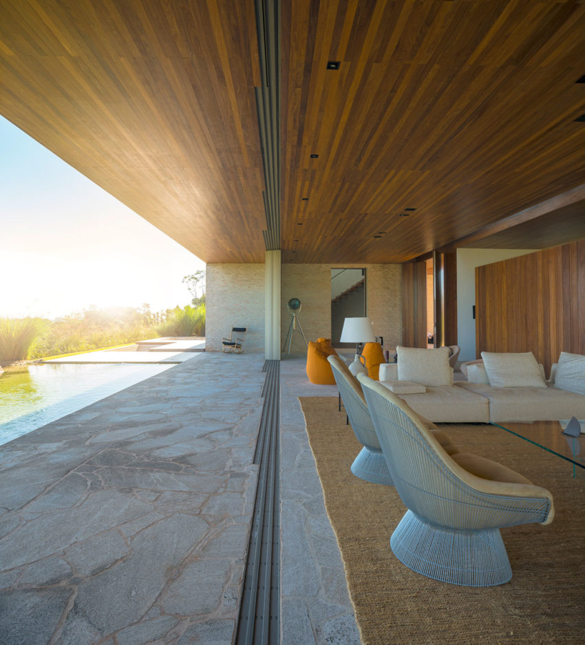 MS House by Studio Arthur Casas (7)