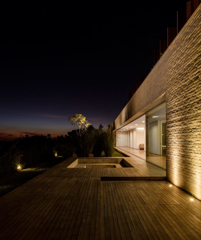 MS House by Studio Arthur Casas (15)