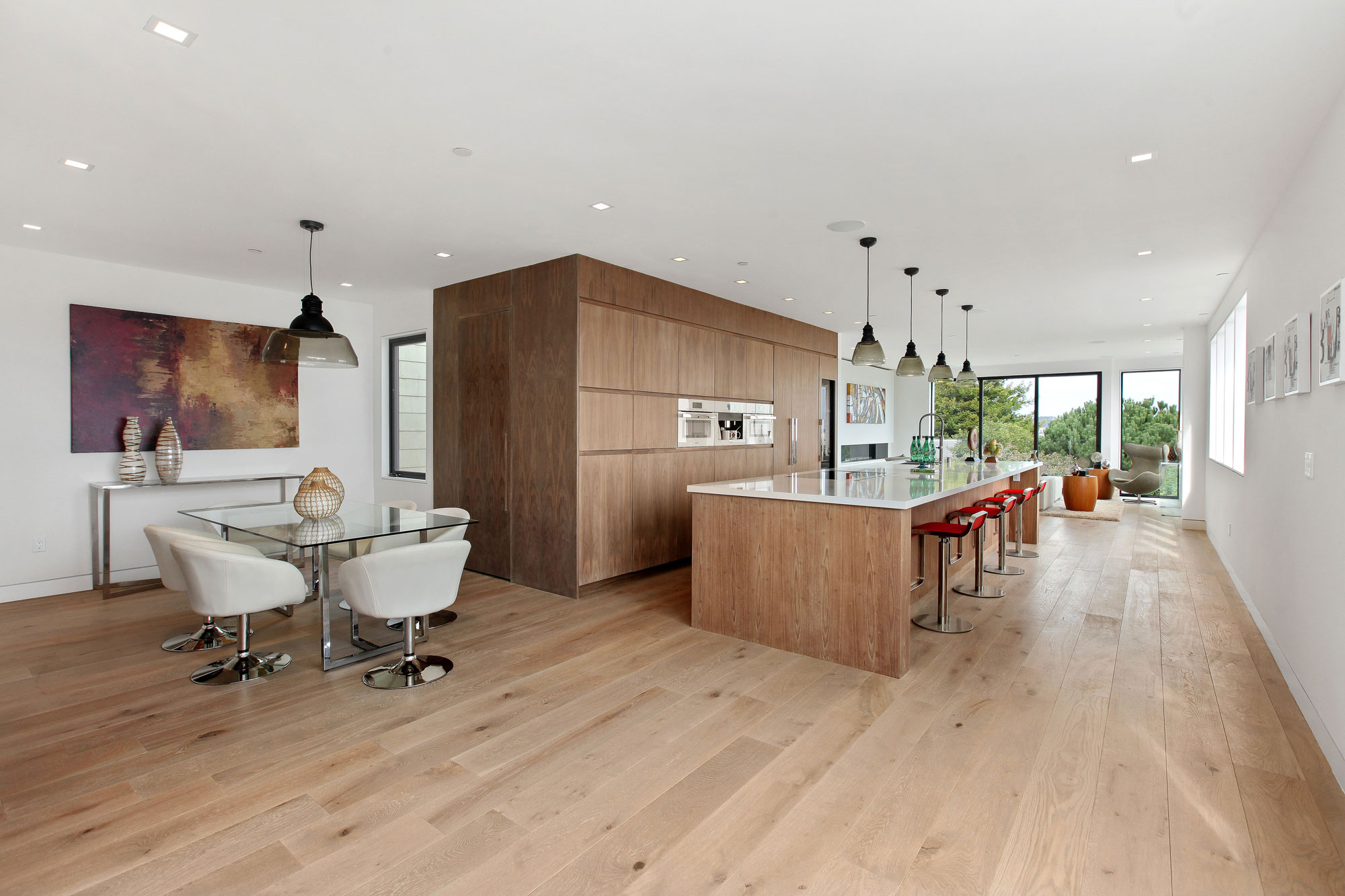 Sleek Modern Home with Views Over the San Francisco Skyline