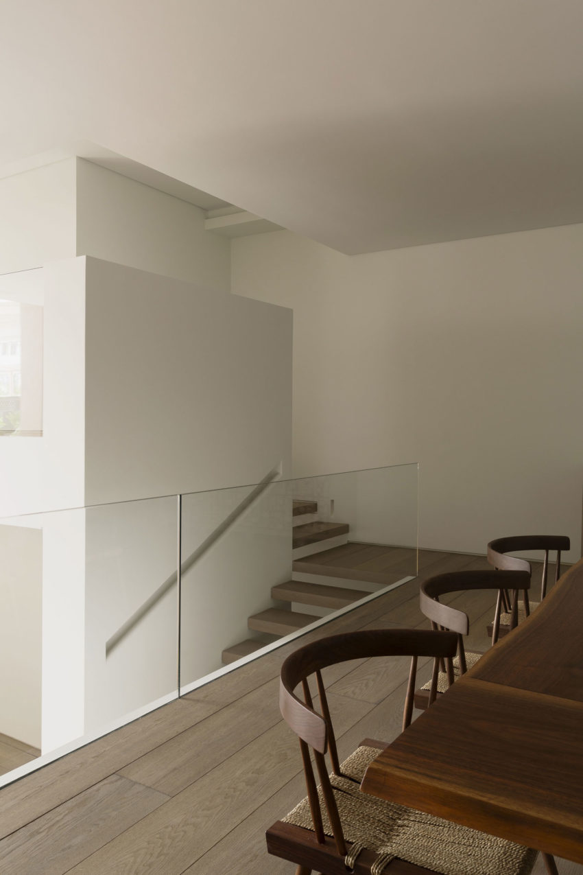 OM Townhouse by Studio Arthur Casas (13)