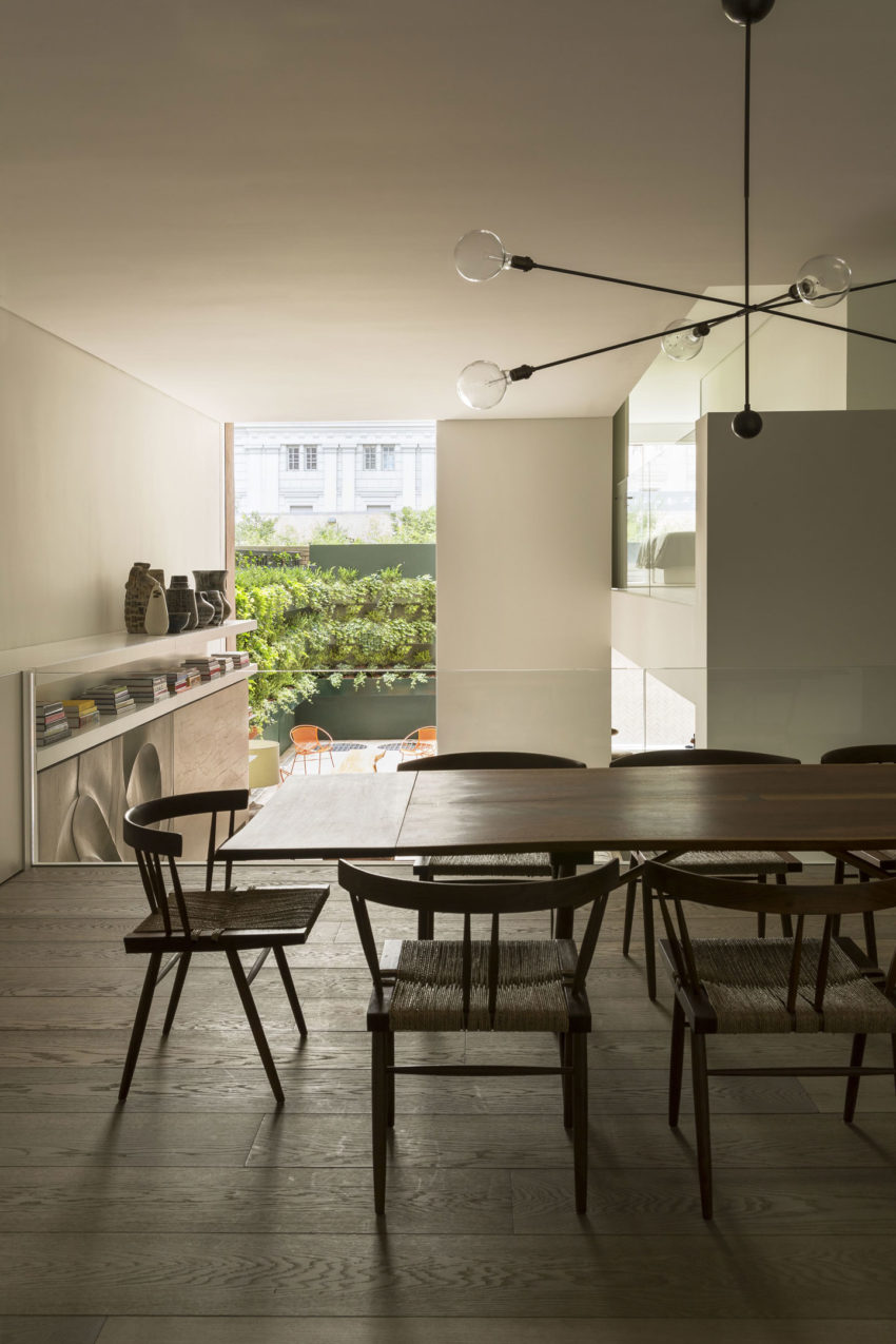 OM Townhouse by Studio Arthur Casas (14)