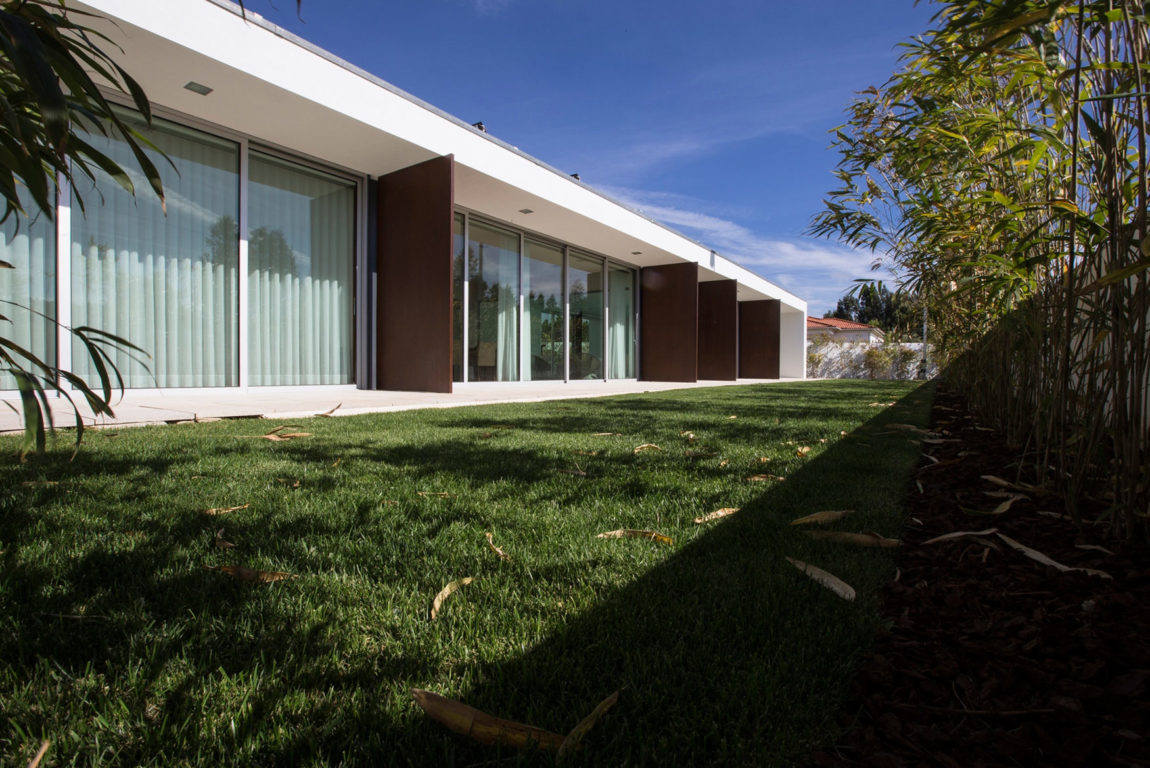 P.L. House by Atelier J. A. Lopes da Costa (7)