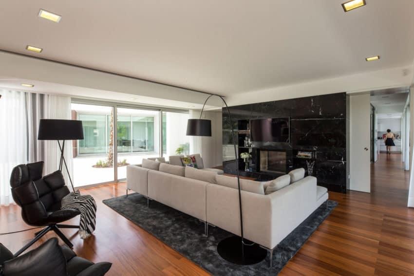 P.L. House by Atelier J. A. Lopes da Costa (8)