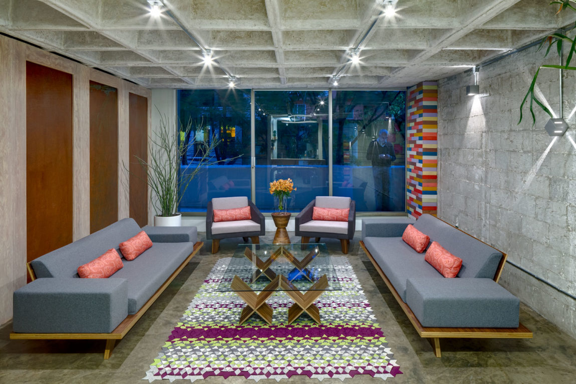Hegel Apartment by Arquitectura en Movimiento Workshop (3)