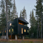 Trollhus by Mork-Ulnes Architects (8)