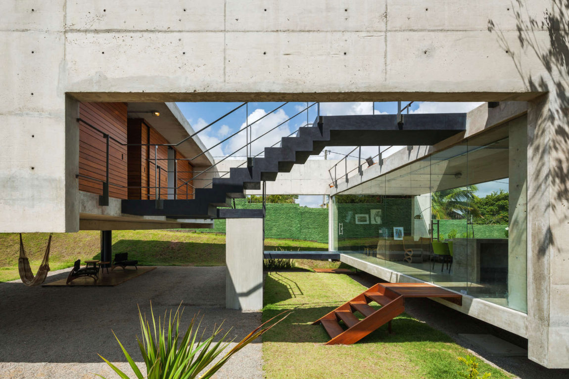 Two Beams House by Escritório Yuri Vital (4)