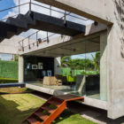 Two Beams House by Escritório Yuri Vital (6)