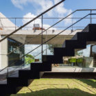 Two Beams House by Escritório Yuri Vital (7)