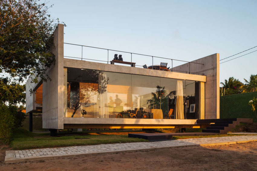 Two Beams House by Escritório Yuri Vital (24)