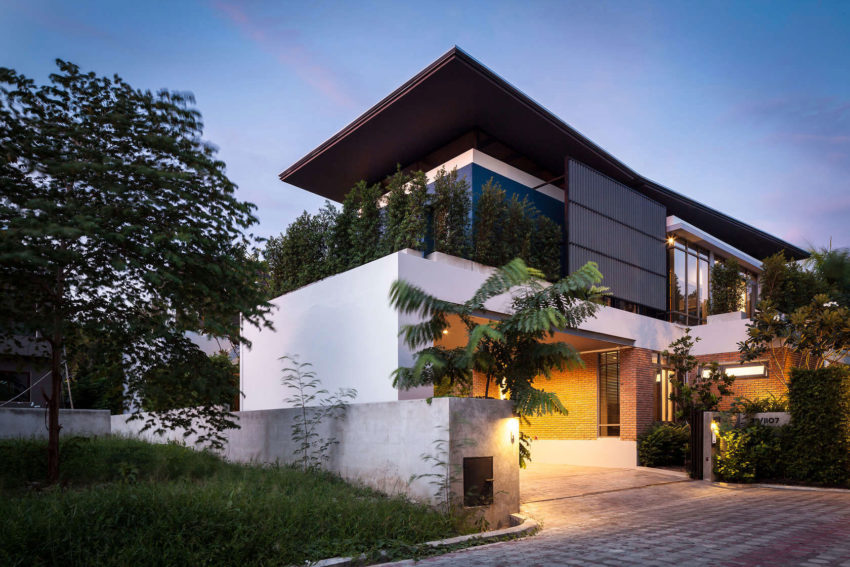 Two Houses at Nichada by Alkhemist Architects (18)