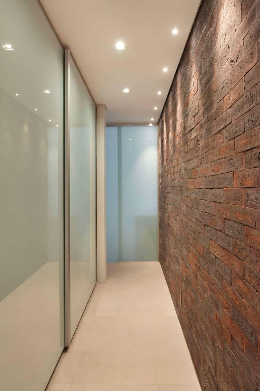 VF House by Studio ro+ca (10)