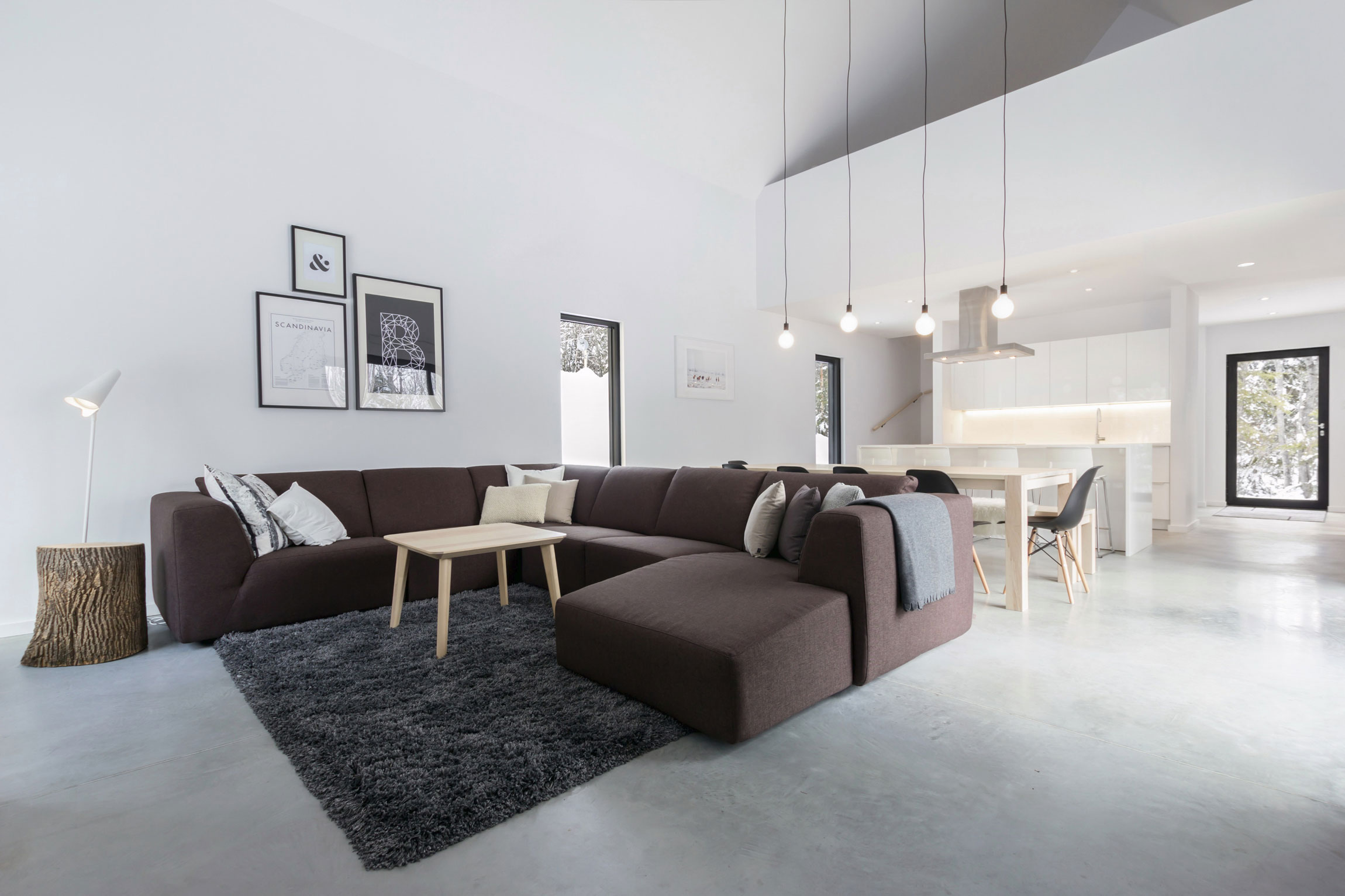 Cargo Architecture Designs a Cozy Cabin in Charlevoix
