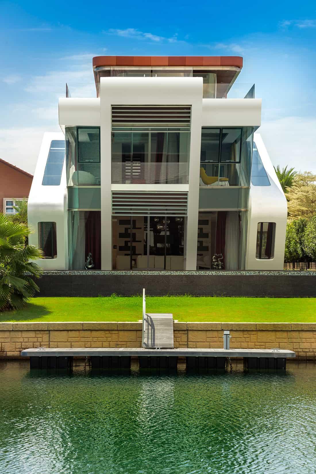 Mercurio Design Lab Create a Modern Villa