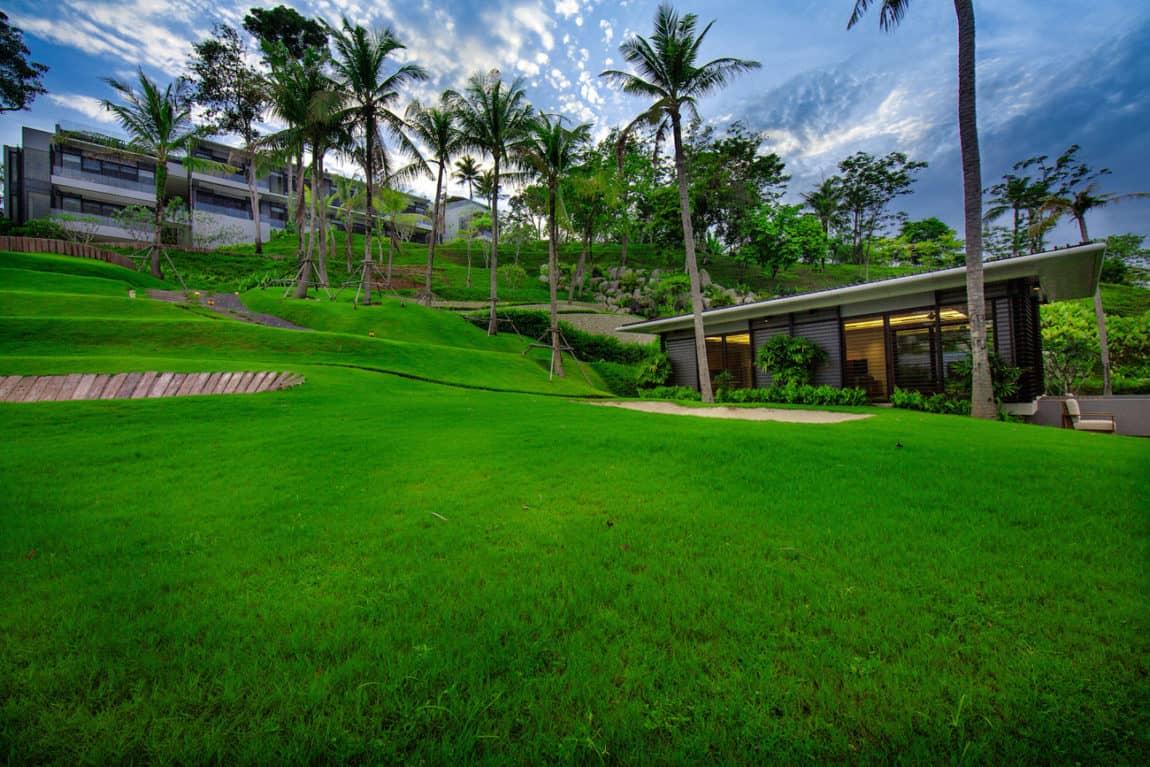 Villa Sawarin by Jean-Michel Gathy & Philippe Starck (1)