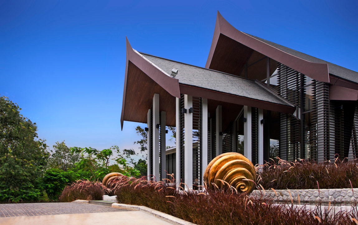 Villa Sawarin by Jean-Michel Gathy & Philippe Starck (5)