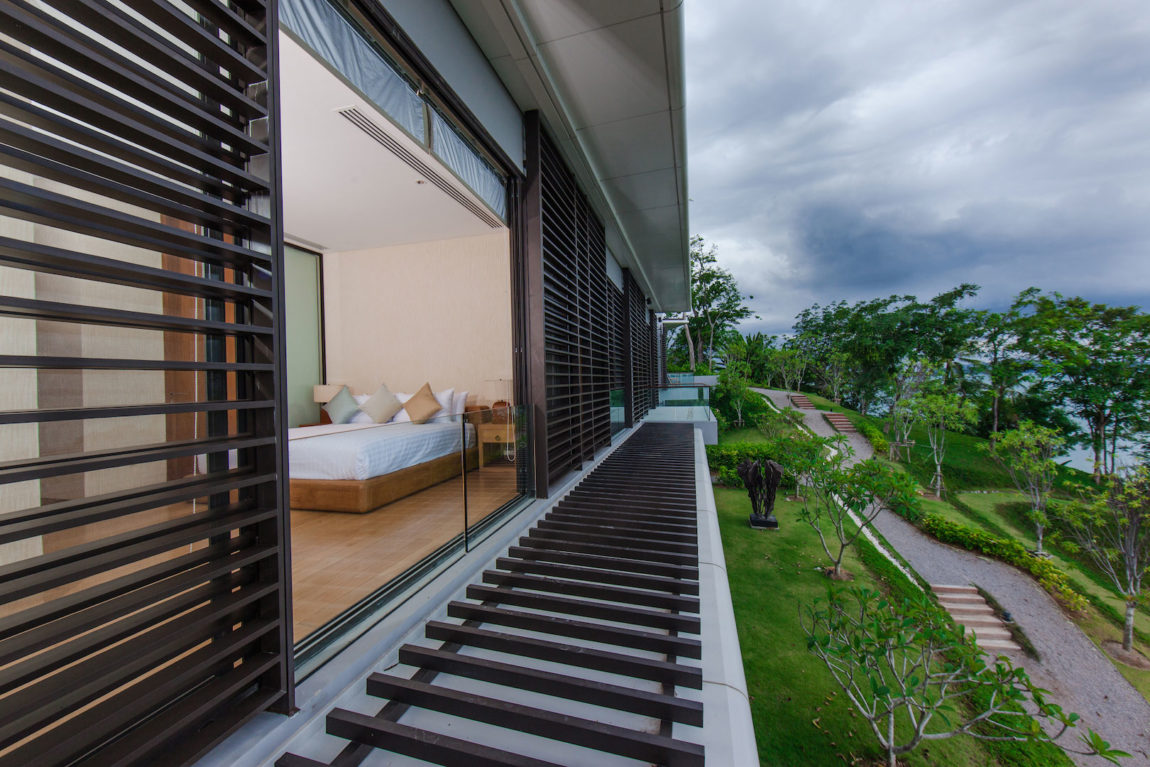 Villa Sawarin by Jean-Michel Gathy & Philippe Starck (6)