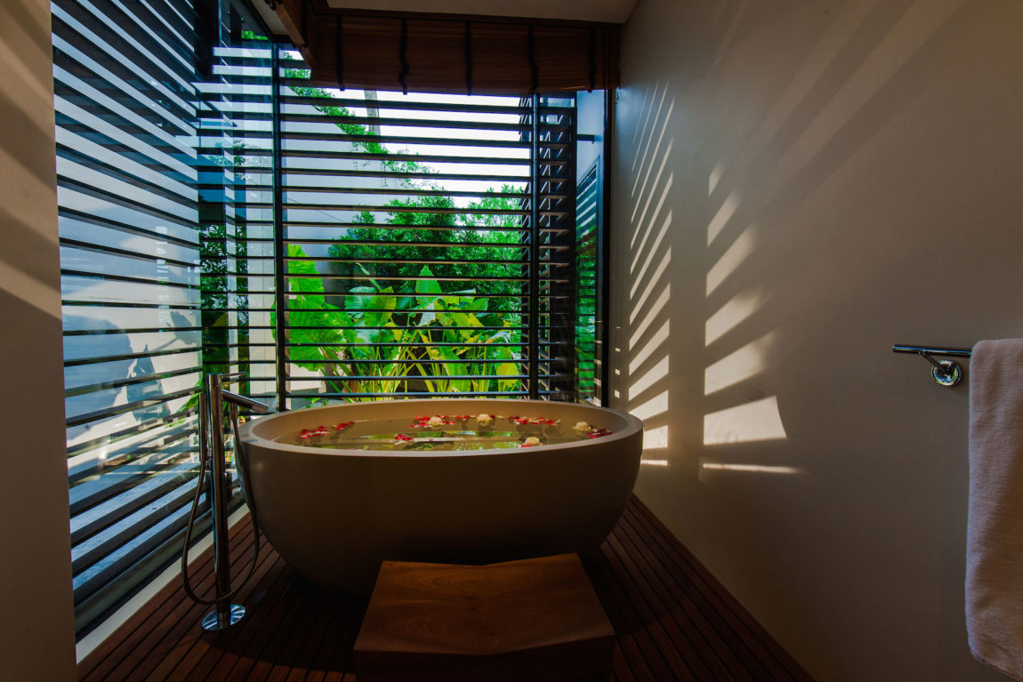 Villa Sawarin by Jean-Michel Gathy & Philippe Starck (43)
