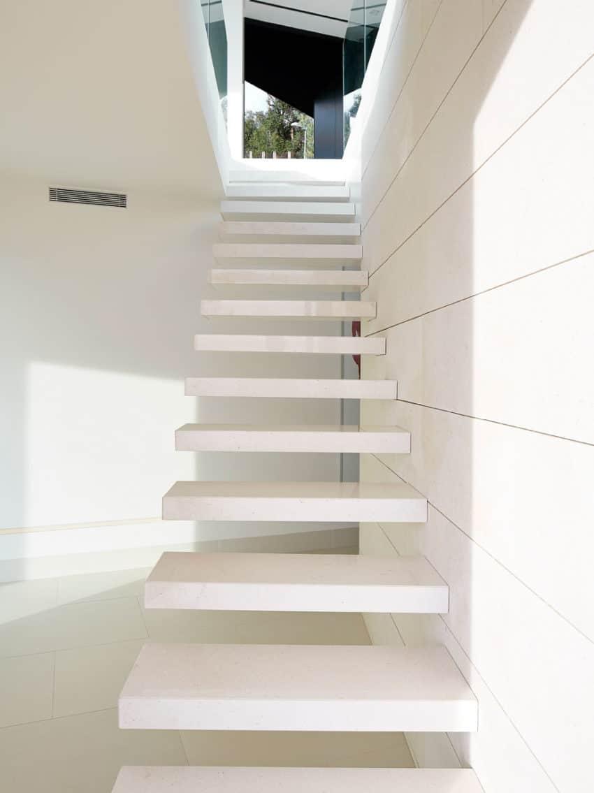 Vivienda en el Emporda by Anna Podio Arquitectura (6)