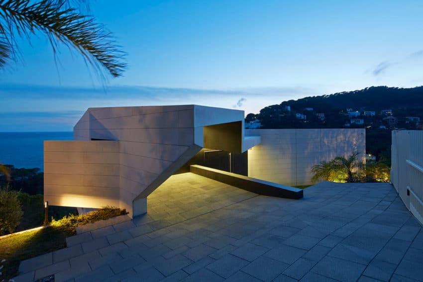 Vivienda en el Emporda by Anna Podio Arquitectura (12)