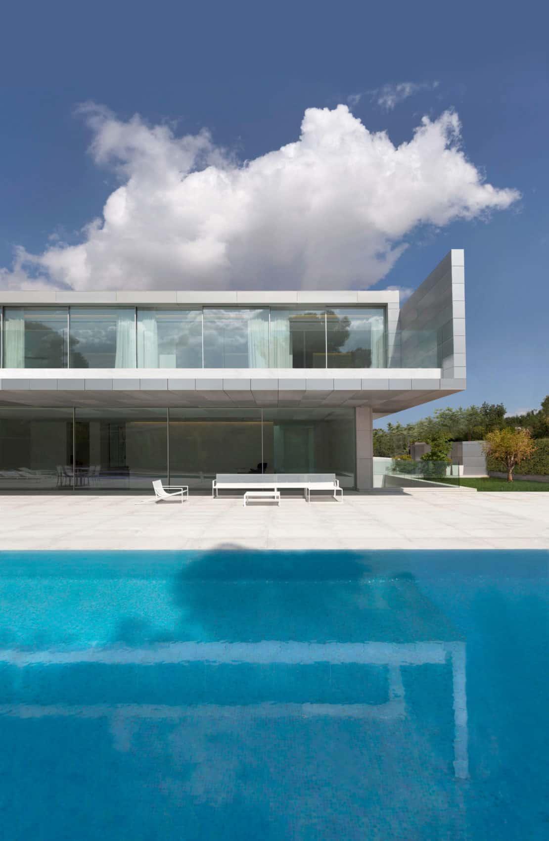 Aluminum House by Fran Silvestre Arquitectos (1)