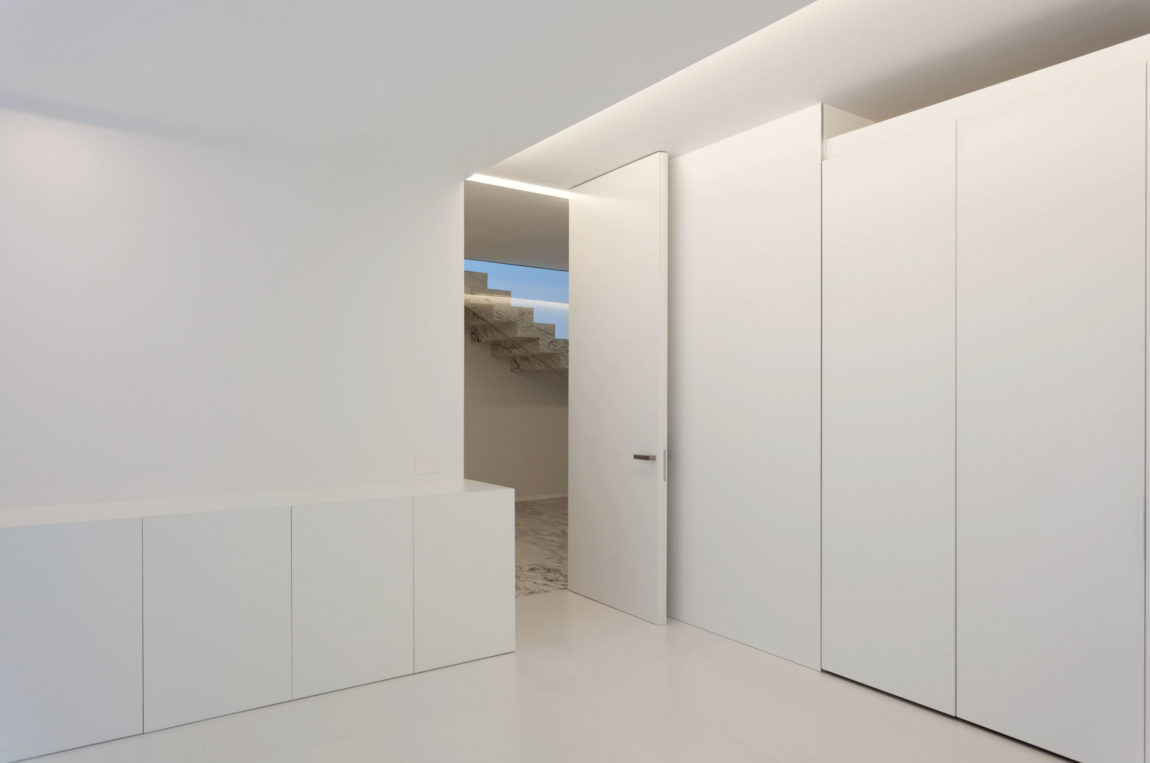 Aluminum House by Fran Silvestre Arquitectos (5)