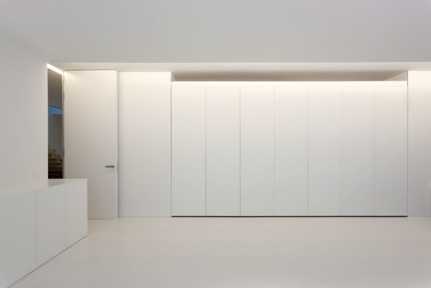Aluminum House by Fran Silvestre Arquitectos (6)